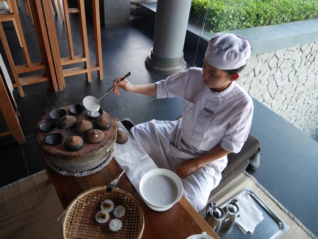ベトナム伝統の茶菓子を作ってくれるのですう。